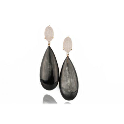 orecchini in oro rosa 18 carati con gocce di corno nero, drusa e diamanti taglio brillante.