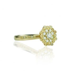 Devis_Palazzi_gold_Ring_18k_Crown_collection_natural_yellow_brilliant-cut_diamonds_front_right